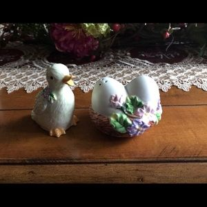 Avon Gift Collection Springtime Salt and Pepper